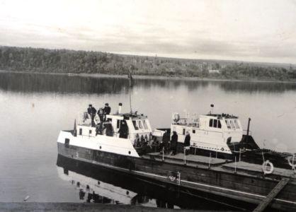 р.Чуна, катера для вывозки бочек с живицей из Полинчета