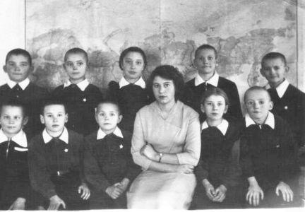 Школа в п.Песчанке