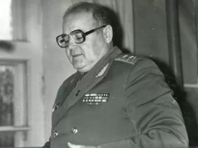 Начальник УВВ по Восточной  Сибири и Дальнему Востоку в 1978-1987 гг. генерал-лейтенант Бублик А.А.
