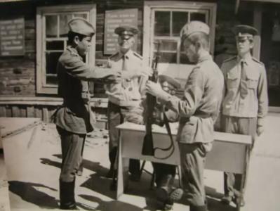 Вручение оружия (4 рота. п. Хоняки)