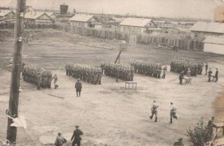 вч 6619 занятия по строевой подготовке, 5-й км. (здесь  размещалась сержантская школа  воинских частей ВВ)