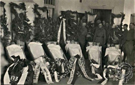 Погибшие чехословацкие легионеры 8 мая 1919 г в бою за станцию Тайшет