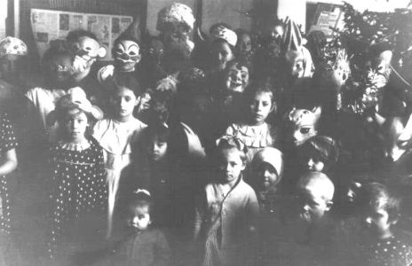 Новогодний маскарад в школе п.Колючий